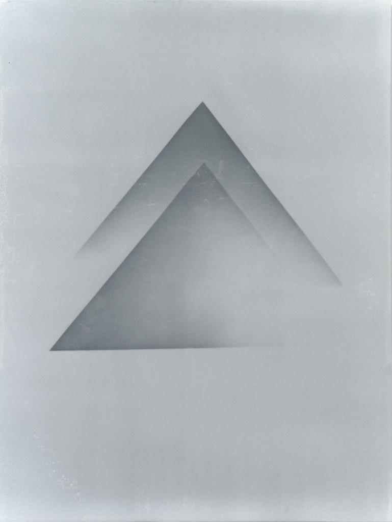 Pyramiden_Pastell_grau